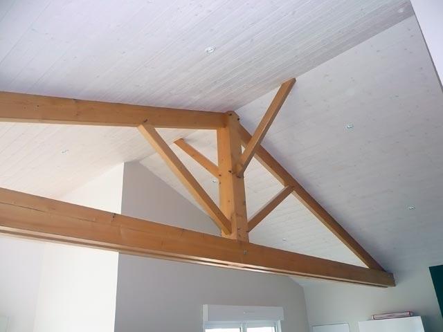L'intérieur d'une extension de maison en bois à Saint Hilaire de Clisson